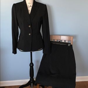 TAHARI black with white pinstripes suit size 4